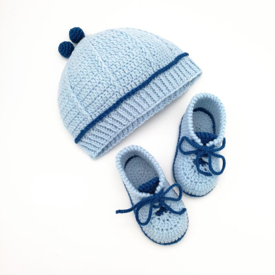 Cepurīte un zabaciņi (gaiši zils komplekts)