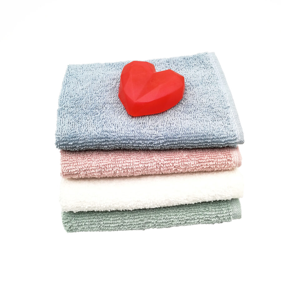 """Hand soap """"Heart"""" with hand towel"""