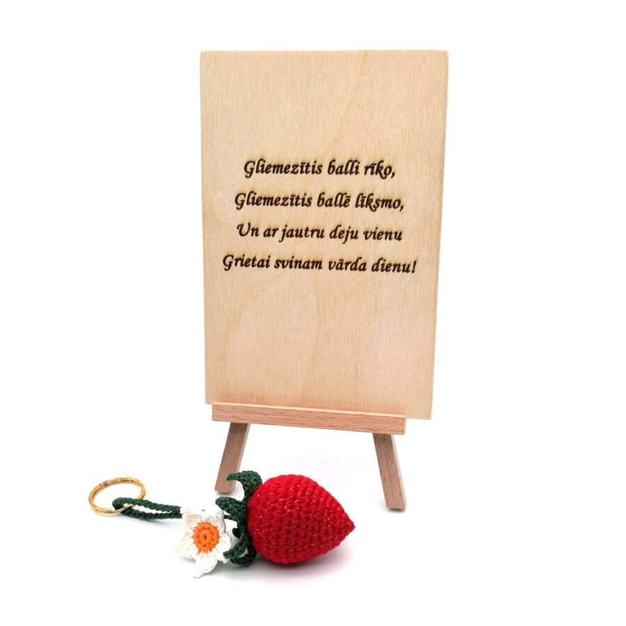 """Wooden greeting card for Grieta with keychain """"strawberry"""""""