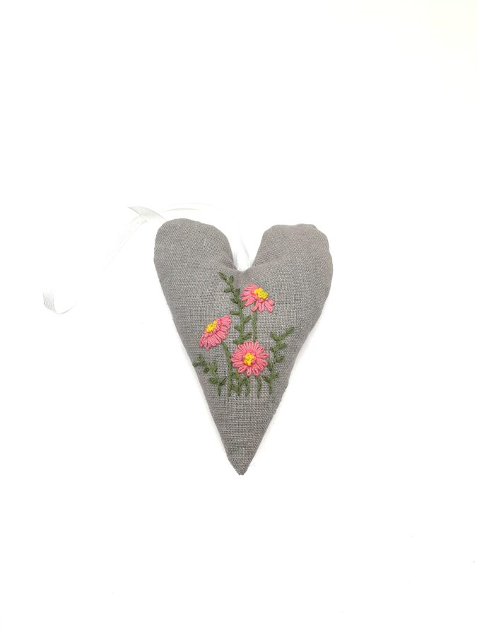 Aroma lavender bag with hand embroidery (Heart)