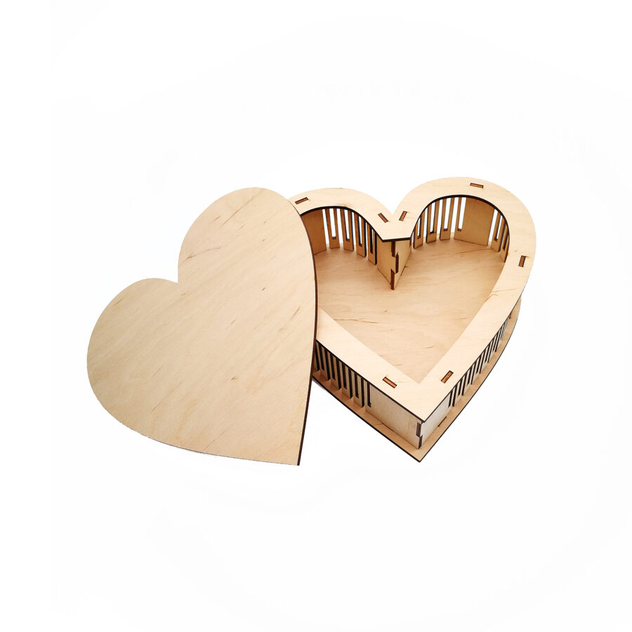 """Wooden box """"Heart"""""""