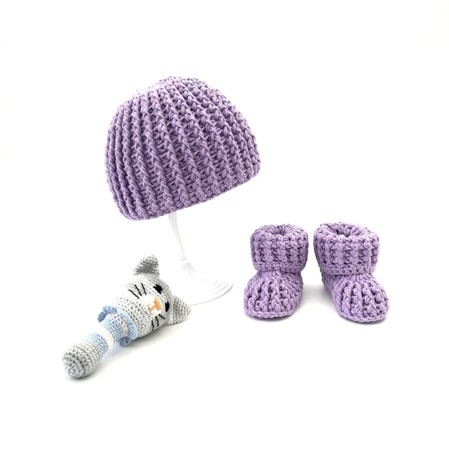 Lavender baby set (Hat and booties)