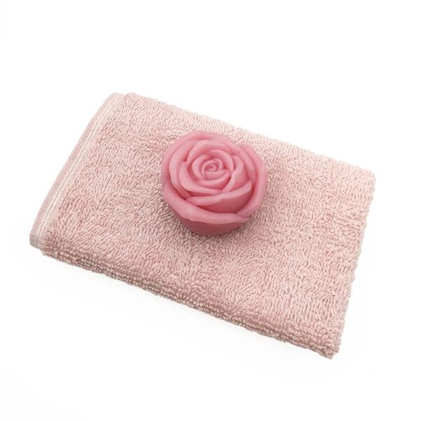 """Мыло ручной работы """"Роза"""" и полотенце для рук"""