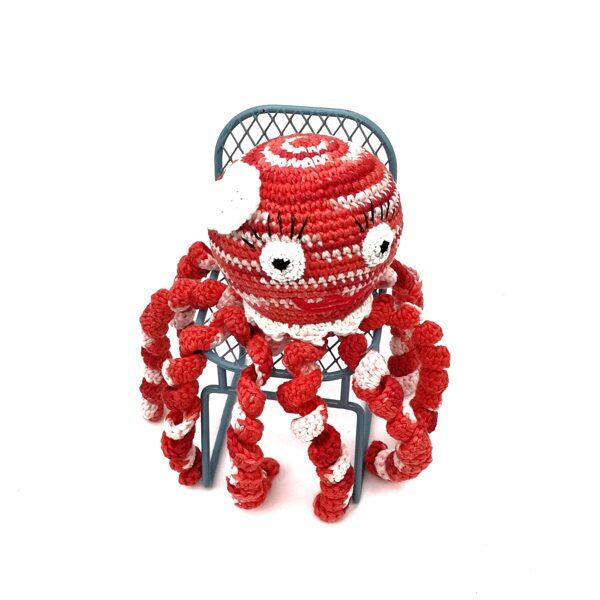 """Мягкая игрушка """"Красный осьминог с цветком"""""""