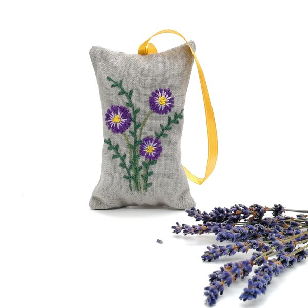 Aroma lavender bag with hand embroidery (Dasies)